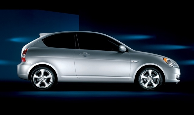 2010 Hyundai  Accent Picture