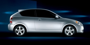 2010 Hyundai Accent Reviews / Specs / Pictures / Prices
