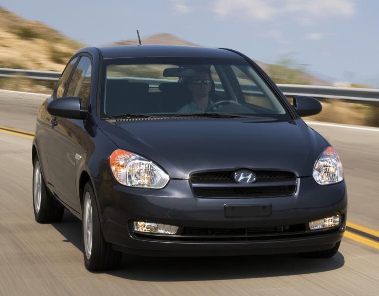 2011 Hyundai Accent Hatchback Picture