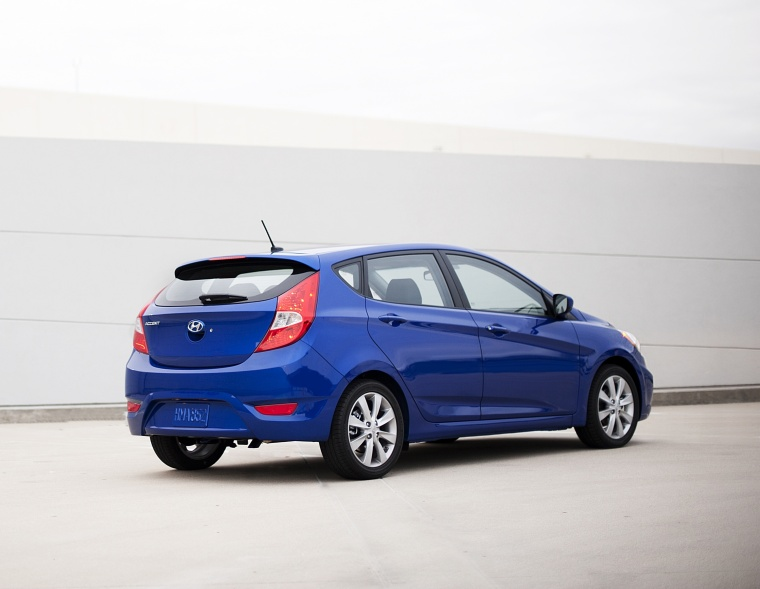 2012 Hyundai Accent Hatchback Picture