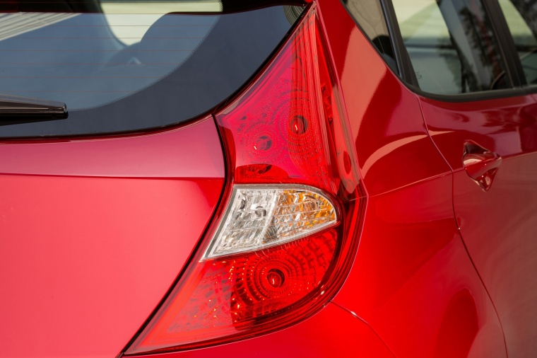 2017 Hyundai Accent Hatchback Tail Light Picture