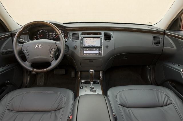 2010 Hyundai  Azera Picture