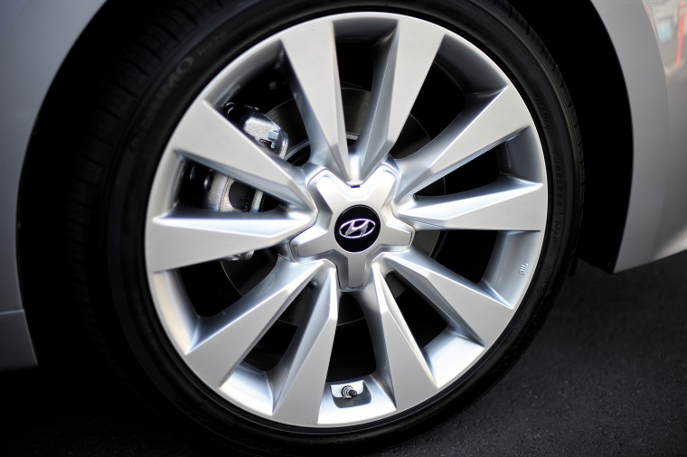 2017 Hyundai Azera Limited Rim Picture