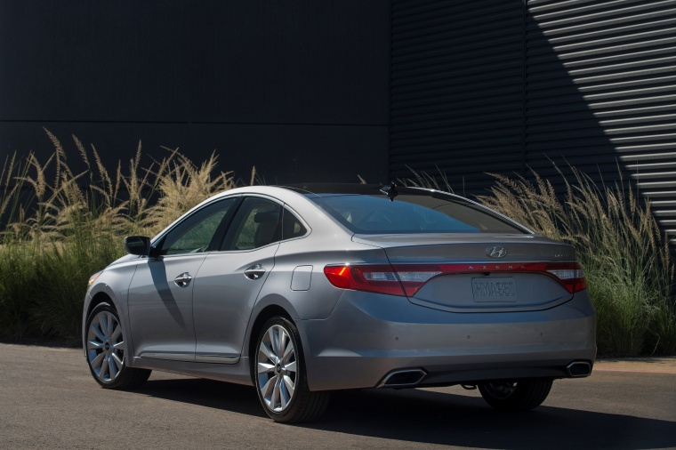 2017 Hyundai Azera Limited in Pewter Gray Metallic from a rear left view