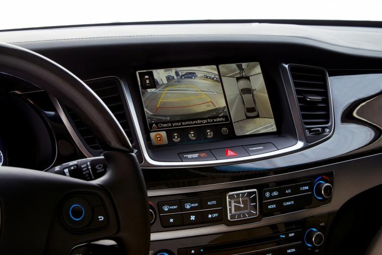 2016 Hyundai Equus Sedan Rear-View Screen Picture