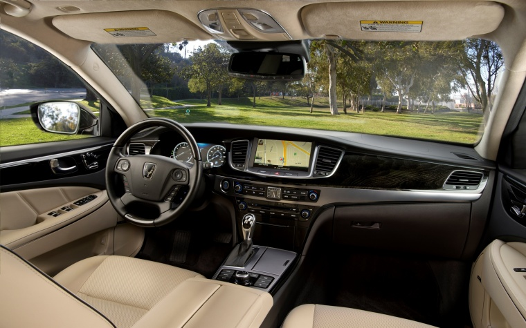 2016 Hyundai Equus Sedan Cockpit in Ivory