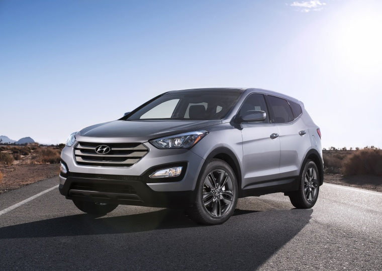 2013 Hyundai Santa Fe Sport in Moonstone Silver from a front left view