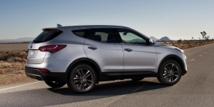 Research the 2014 Hyundai Santa Fe