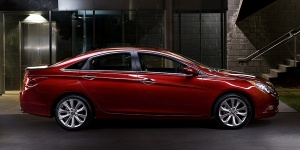 2011 Hyundai Sonata Reviews / Specs / Pictures / Prices