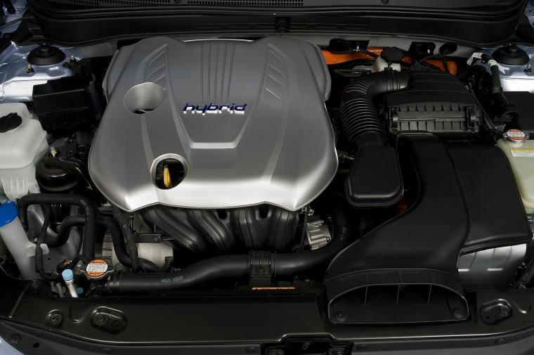 2012 Hyundai Sonata Hybrid 2.4-liter 4-cylinder Engine Picture