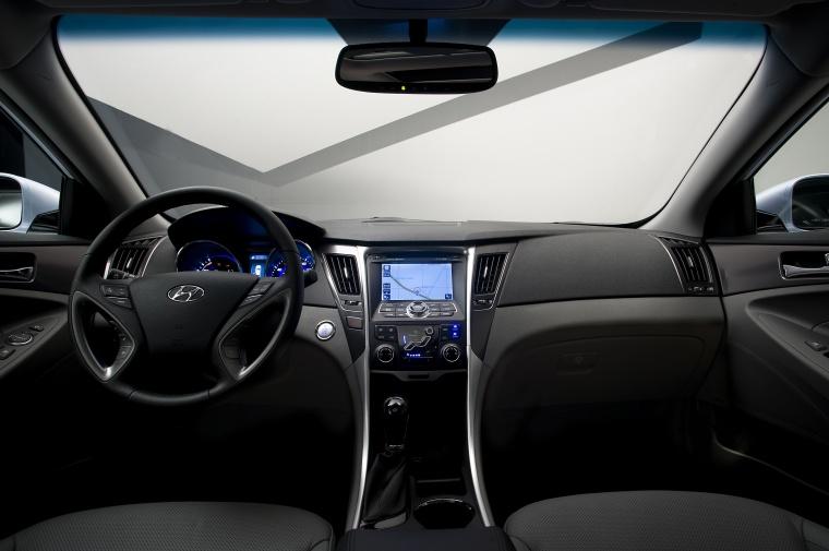 2012 Hyundai Sonata Hybrid Cockpit Picture