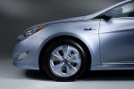 Picture of 2012 Hyundai Sonata Hybrid Rim