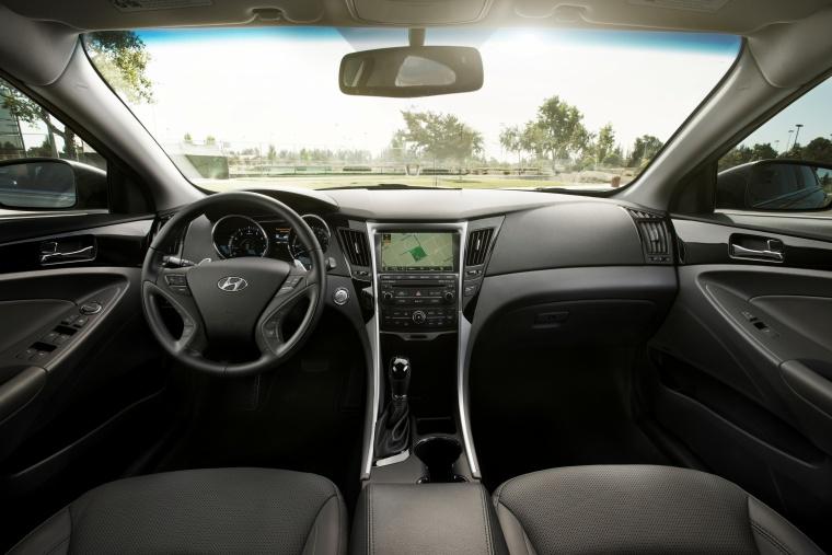 2014 Hyundai Sonata 2.0T Limited Cockpit Picture