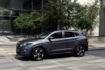 Picture of a 2016 Hyundai Tucson Limited 1.6T in Coliseum Gray from a front left three-quarter perspective