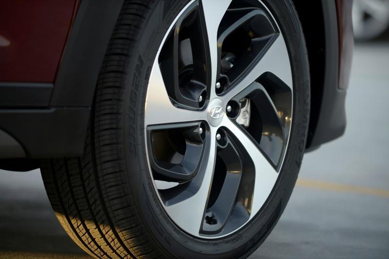 2017 Hyundai Tucson Limited 1.6T AWD Rim Picture