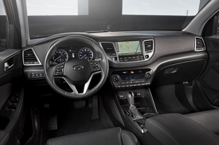 2017 Hyundai Tucson Limited 1.6T AWD Cockpit Picture