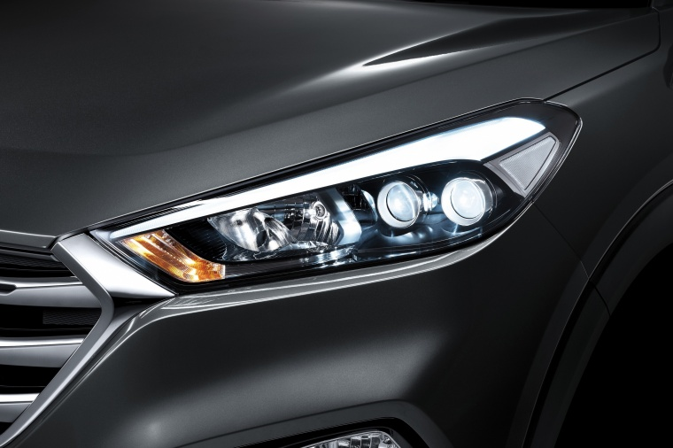 2017 Hyundai Tucson Limited 1.6T Headlight Picture
