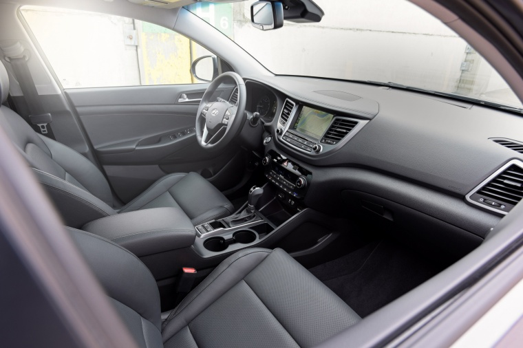 2017 Hyundai Tucson Limited 1.6T Front Seats Picture
