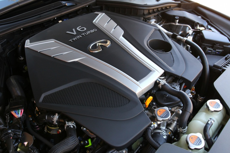 2018 Infiniti Q60 Coupe 3.0T RED SPORT 400 3.0-liter V6 twin-turbocharged Engine Picture