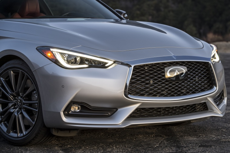 2018 Infiniti Q60 Coupe 3.0T Headlights Picture
