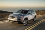 Picture of a 2015 Jeep Cherokee Limited 4WD in Billet Silver Metallic Clearcoat from a front left three-quarter perspective