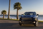 Picture of a 2015 Jeep Cherokee Limited 4WD in True Blue Pearlcoat from a frontal perspective