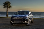 Picture of a 2015 Jeep Cherokee Limited 4WD in True Blue Pearlcoat from a front left perspective