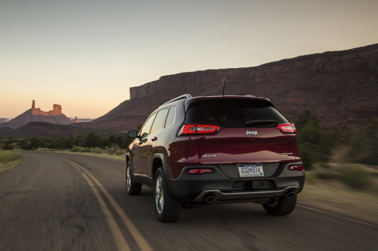 2016 Jeep Cherokee Limited 4WD Picture