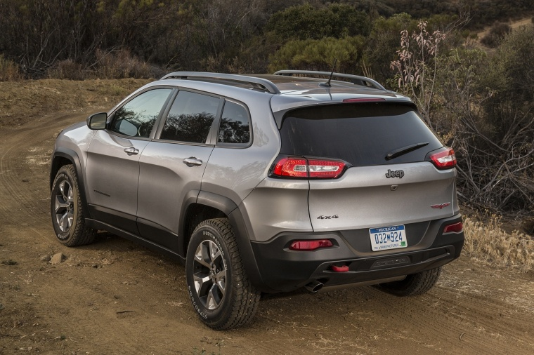 2016 jeep cherokee trailhawk 4wd in billet silver metallic clearcoat color static rear left. Black Bedroom Furniture Sets. Home Design Ideas