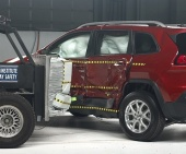 2016 Jeep Cherokee IIHS Side Impact Crash Test Picture