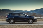 Picture of a 2016 Jeep Cherokee Limited 4WD in True Blue Pearlcoat from a side perspective