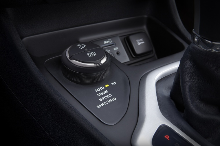 Picture of a 2017 Jeep Cherokee Limited 4WD's Interior