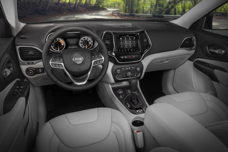 Picture of a 2020 Jeep Cherokee Limited 4WD's Cockpit