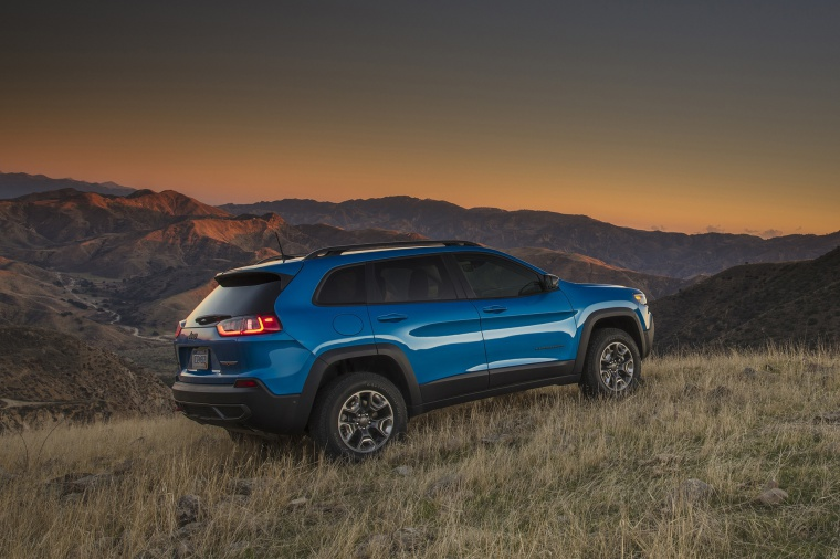 Picture of a 2020 Jeep Cherokee Trailhawk 4WD in Hydro Blue Pearlcoat from a rear right three-quarter perspective