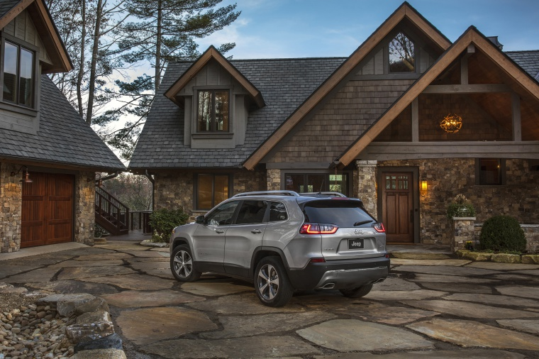 Picture of a 2020 Jeep Cherokee Limited 4WD in Billet Silver Metallic Clearcoat from a rear left three-quarter perspective