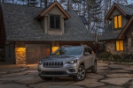 Picture of a 2020 Jeep Cherokee Limited 4WD in Billet Silver Metallic Clearcoat from a front left perspective