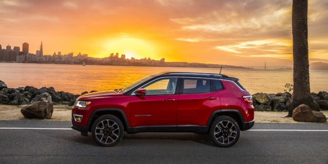 2018 Jeep Compass Pictures