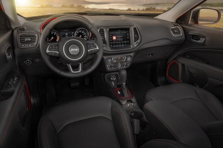 2019 Jeep Compass Trailhawk 4WD Cockpit Picture