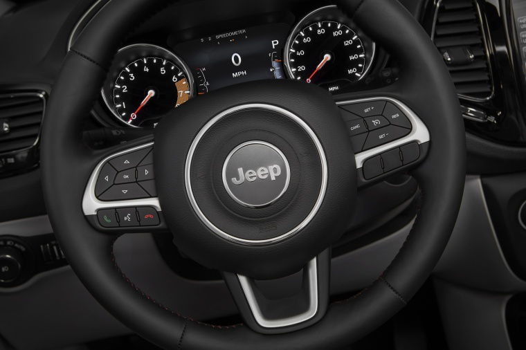 2020 Jeep Compass Limited 4WD Steering-Wheel Picture