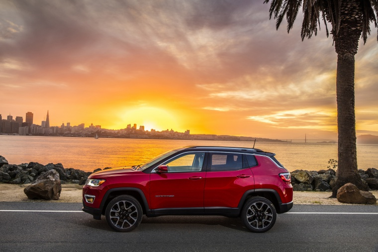 Picture of a 2020 Jeep Compass Limited 4WD in Redline Pearlcoat from a side perspective
