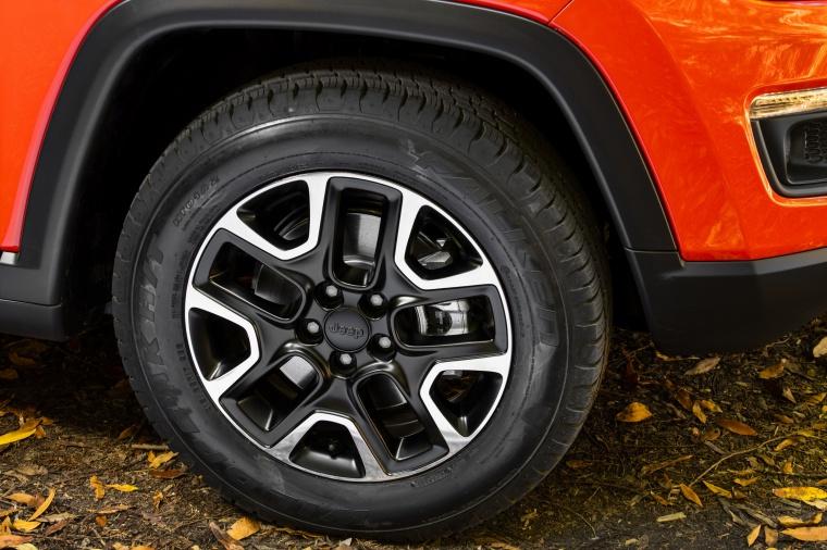 2020 Jeep Compass Trailhawk 4WD Rim Picture