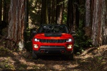 Picture of a 2020 Jeep Compass Trailhawk 4WD in Spitfire Orange Clearcoat from a frontal perspective