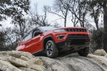 Picture of a 2020 Jeep Compass Trailhawk 4WD in Spitfire Orange Clearcoat from a front right perspective