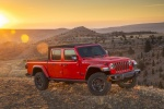 2020 Jeep Gladiator Crew Cab Rubicon 4WD in Firecracker Red Clearcoat - Static Front Right Three-quarter View
