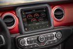 Picture of 2020 Jeep Gladiator Crew Cab Rubicon 4WD Center Stack