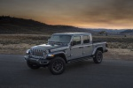 2020 Jeep Gladiator Crew Cab Overland 4WD in Billet Silver Metallic Clearcoat - Static Front Left Three-quarter View