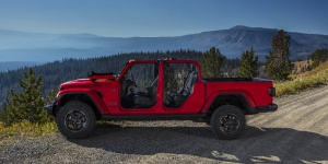 2020 Jeep Gladiator Reviews / Specs / Pictures / Prices