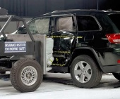 2011 Jeep Grand Cherokee IIHS Side Impact Crash Test Picture