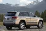 2013 Jeep Grand Cherokee Limited 4WD in White Gold Clearcoat - Static Rear Right Three-quarter View