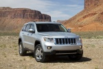 2013 Jeep Grand Cherokee in Bright Silver Metallic Clearcoat - Static Front Right View